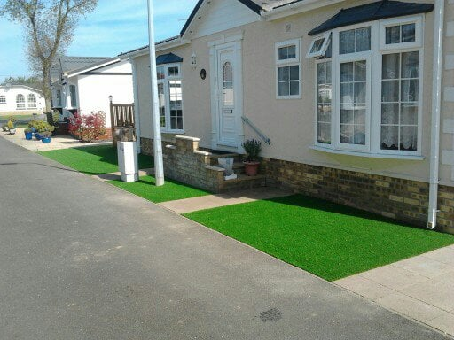 Artificial Grass Holiday Home Nomow